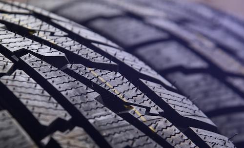 タイヤモールドクリーニング用通気口ドリルビット